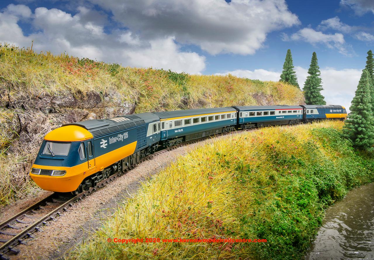 2D-019-010 Dapol Class 43 HST Bookset Image